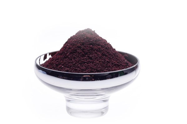 Black currant powder with honey